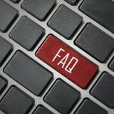 mensagens na tecla enter do teclado, porque perguntas frequentemente feitas c Fotos de Stock