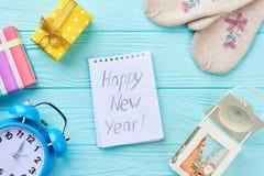 Mensaje de la Feliz Año Nuevo, fondo de madera Foto de archivo libre de regalías