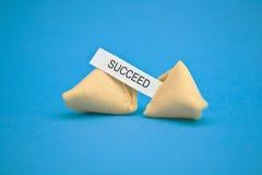 Mensaje de la galleta de fortuna imagen de archivo
