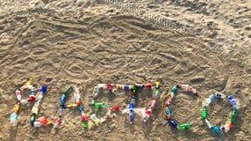 Mensaje de Plastico hecho de las botellas plásticas metrajes