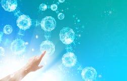 Menschliche Hand und Moleküle Lizenzfreies Stockfoto