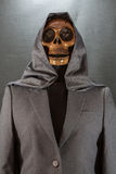 Menschlicher Schädel auf einem schwarzen Hintergrund Halloween-Tag oder Geistfestival, Geist auf Klage Stockfotos