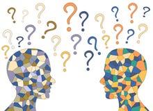 Menschliches Gehirn des Mosaiks und bunte Fragezeichen, Stockfotos