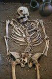 Menselijke schedel met donkere achtergrond Concept dood, verschrikking en anatomie Griezelig Halloween-symbool Royalty-vrije Stock Foto's