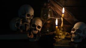 Menselijke schedel voor Halloween stock footage