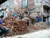 Mensen in beweging - Katmandu, de Straten van Thamel Stock Foto's
