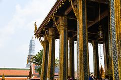 Mensen bij grote paleistempel Bangkok royalty-vrije stock foto