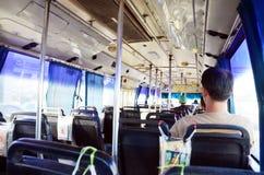 Mensen in busvervoer in Thailand Royalty-vrije Stock Afbeeldingen