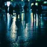 Mensen in de nacht royalty-vrije stock afbeelding