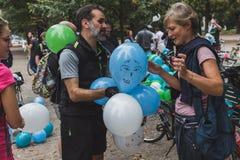 Mensen die aan de Ijsrit 2014 deelnemen in Milaan, Italië Royalty-vrije Stock Afbeeldingen