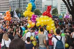 Mensen die aan de Trots 2014, Italië deelnemen van Milaan Royalty-vrije Stock Afbeeldingen