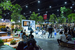 Mensen die in Architect Expo ` 17 lopen royalty-vrije stock afbeeldingen