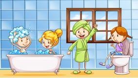 Mensen die badkamers samen gebruiken Stock Afbeeldingen