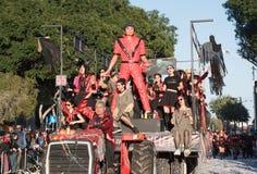 Mensen die bij de Carnaval-Parade, Limassol, Cyprus paraderen Stock Afbeeldingen