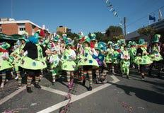 Mensen die bij de Carnaval-Parade, Limassol, Cyprus paraderen Stock Foto