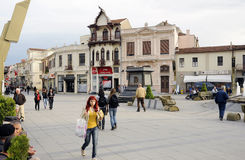 Mensen die in Bitola rondwandelen Royalty-vrije Stock Fotografie