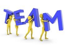 Mensen die de samen dragende blauwe brieven van het Team werken Royalty-vrije Stock Afbeeldingen