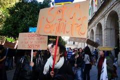 Mensen die in een demonstratie 20 marcheren stock afbeeldingen