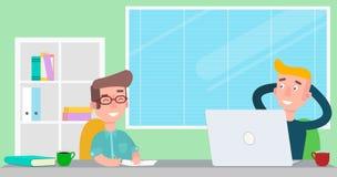 Mensen die in het bureau werken Teamdag Is Werknemers in de zitting op het werk Stock Fotografie