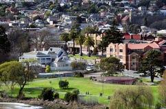 Mensen die, het Park van Koningen, Launceston, Tasmanige lopen Stock Afbeelding