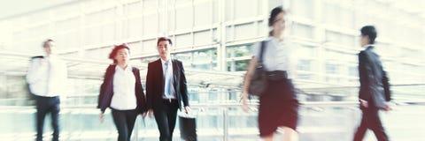 Mensen die in Hong Kong Pedestrain Concept omzetten stock afbeeldingen