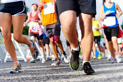 Mensen die marathon in werking stellen Stock Foto's