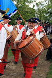 Mensen die in middeleeuwse kostuums zingen Royalty-vrije Stock Foto