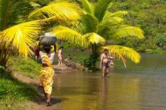 Mensen die op het Arambol-strand ontspannen Stock Foto's