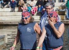 Mensen die Patriottisme tonen royalty-vrije stock afbeeldingen