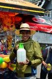 Mensen die Songkran vieren (Thais nieuw jaar/water festival) Stock Afbeelding