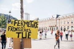 Mensen die tegen immigratiebeleid protesteren Royalty-vrije Stock Fotografie