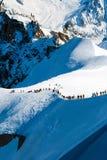 Mensen die voor Vallee Blanche, Franse Alpen leiden Royalty-vrije Stock Foto's