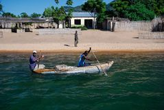Mensen in een kano royalty-vrije stock foto's
