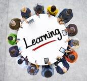 Mensen en het Leren Concept met Geweven Effect Stock Afbeelding