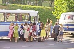 Mensen en oude bussen Royalty-vrije Stock Fotografie