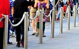 Mensen het Een rij vormen Royalty-vrije Stock Afbeeldingen