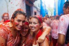 Mensen in het festival van La Tomatina Stock Foto's