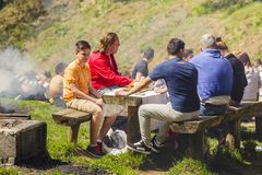 Mensen het picnicking Stock Foto's
