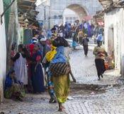 Mensen in hun dagelijks werkactiviteiten die bijna onveranderd in meer dan vier honderd jaar Harar ethiopië Royalty-vrije Stock Fotografie
