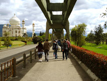 Mensen in Jaime Duque Park, Bogota, Colombia. Stock Afbeelding