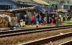 Mensen in krottenwijk, Java, Indonesië Royalty-vrije Stock Afbeeldingen
