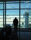 Mensen in luchthaven Stock Afbeelding