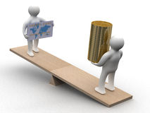 Mensen met contant geld en een creditcard op gewichten. Stock Fotografie