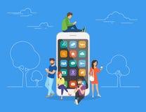 Mensen met gadgets die smartphones in openlucht gebruiken Royalty-vrije Stock Foto