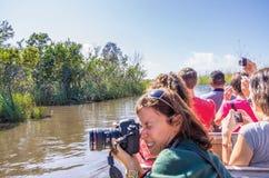 Mensen op airboat in Everglades, Florida Royalty-vrije Stock Fotografie