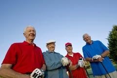 Mensen op Cursus met Clubs royalty-vrije stock foto's