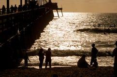Mensen op de Pijler in Californië Stock Fotografie