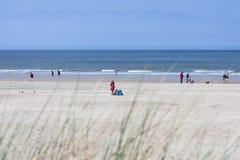 Mensen op het Strand in Norderney, redactie Stock Afbeeldingen