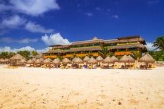 Mensen op het strand van Playacar, Mexico Stock Fotografie