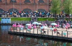 Mensen op Nieuwe Holland Island St Petersburg Rusland Stock Fotografie